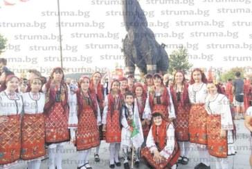 С танцьори от 8 до 77 години читалището в Горно Драглище се представи на фестивал в Турция