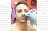 Бербо със стряскащ клип,  татуира си сълза на лицето, пита феновете добре ли изглежда