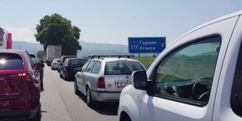 Интензивен трафик по всички гранични пунктове