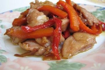 Пилешки жулиени със зеленчуци в соев сос и мед