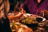 9 важни правила за етикет, когато се храните в ресторант