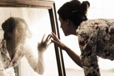 10 думи, които носят късмет и любов, когато се изговарят пред огледалото