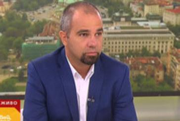 Социолог: Слави Трифонов се опитва да е равно отдалечен от всички партии