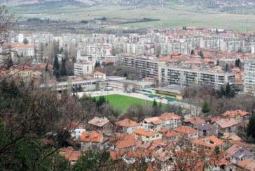 12 560 от жилищата в Кюстендилско в панелки, в крайни квартали покривите масово текат