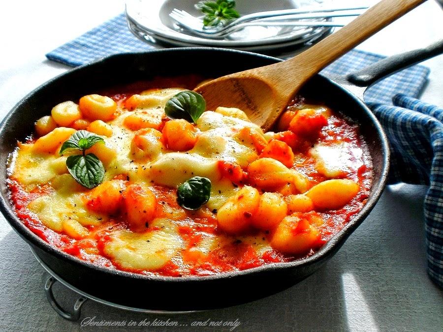 Ньоки от рикота и лесен доматен сос