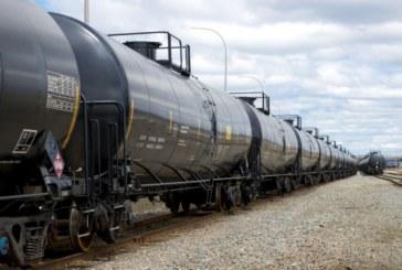 Влак с опасни химикали катастрофира
