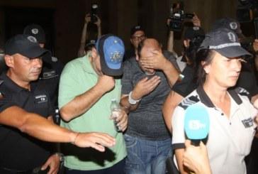 Убийците на семейството, намерено край Негован, остават в ареста
