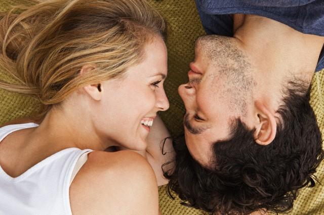 17 признака, че мъжът е влюбен в теб