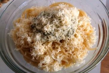 Спагети със спанак и сметана