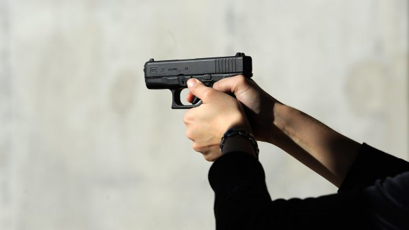 Отказаха на дупничанин разрешително за пистолет