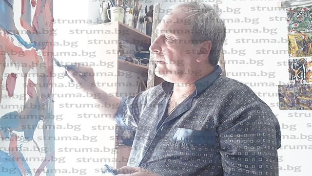 Кюстендилец провокира с изложба от 100 платна в дома си