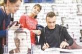 "Бербатов разочарован заради 7000 продадени автобиографии ""По моя начин"", ще атакува английския книжен пазар"
