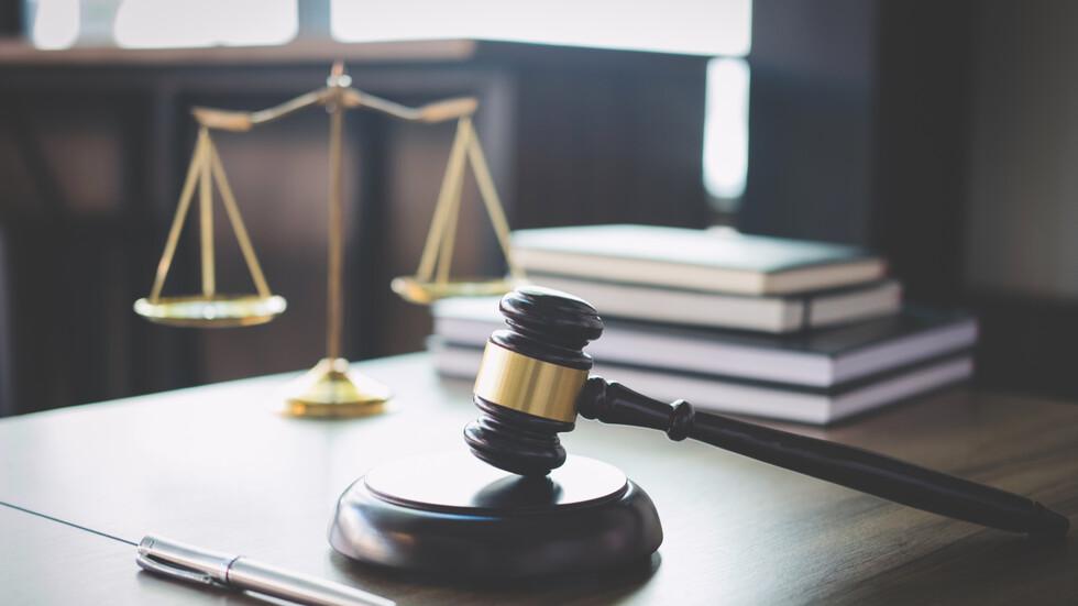 Повдигнаха обвинения на четирима от групата за лихварство и изнудване