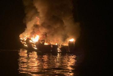 Спасиха 30 души, бедстващи на горяща лодка