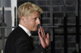 Братът на Борис Джонсън напуска правителството на Великобритания