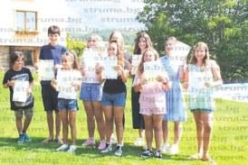 Талантливи благоевградски пианисти с дипломи за успешно издържани изпити в Кралския колеж по музика – Лондон