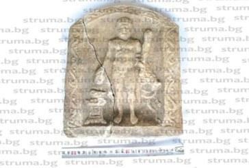 НОВА НАХОДКА В КРАЯ НА АРХЕОЛОГИЧЕСКИЯ СЕЗОН! Откриха крака и кривака на Херакъл в Хераклея Синтика край Рупите