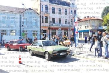 Ретро парад! Мотори и коли, участвали във войните, със следи от шрапнели, и спортни антики събраха ценители и любители в Кюстендил