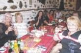 20 химички от бившия Тютюнев техникум в Дупница се събраха 35 г. след завършването