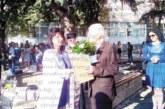 Директорът Л. Стоянова връчи почетна грамота на дългогодишния учител С. Поповски, който изпрати правнук първокласник в VII СУ