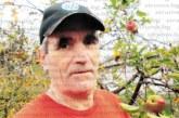 """Ябълките в двора на църквата """"Успение Богородично"""" в с. Дамяница цъфнаха повторно през септември за трета поредна година, дават и втора реколта"""