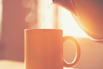 Горещата вода пази от инсулт и купища болести, ето как обаче трябва да я пием
