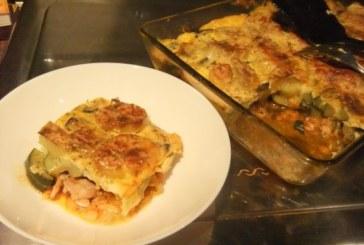 Запеканка с пилешко филе, тиквички и сварени картофи