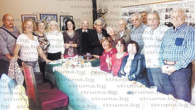 Ветеранка от Втората световна война събра другари и приятели в Дупница за 95-ата си годишнина