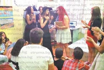 Талантливата млада певица Ванеса Чалева омагьоса с изпълненията си публиката в Дупница
