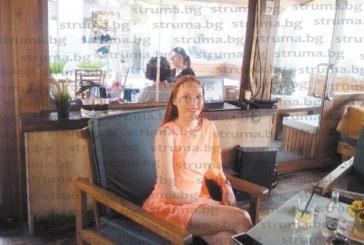 """Единствената българска представителка на световния конкурс за красота в Китай """"Miss Friendship International"""", благоевградчанката Ст. Владимирова: Не съм кифла, никога не бих позволила някой да плаща за титлите ми и да съм съпруга на заплата"""