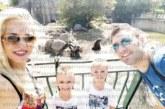 Дупнишкият волейболен национал Цв. Соколов заведе близнаците си на зоопарк, щракнаха се с игуана и кафява мечка