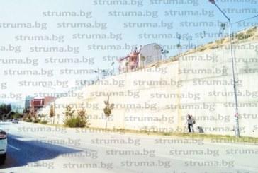 """Художникът учител Живко Янев: Предложих на общината да купи материали и учениците от НХГ да изрисуват безплатно подпорната стена на улица """"Вардар"""", 40 дни нямам отговор… това е мълчалив отказ"""