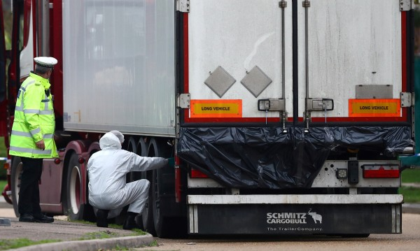 Ясна е самоличността на 39-те трупа, открити в камионa на ужасите с българска регистрация