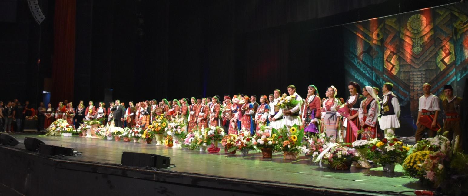 Кандидат-кметът д-р Атанас Камбитов бе официален гост  на юбилейния концерт на Ансамбъл Пирин