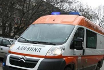 Камион за смет се преобърна и уби жена