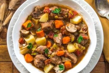 Яхния със свинско месо и зеленчуци