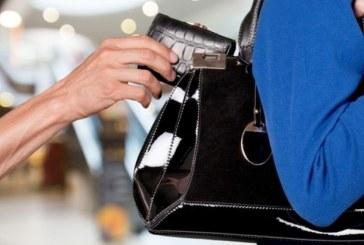 Кражба в магазин за дрехи в Гоце Делчев! Клиентка забрави чантата си отворена, задигнаха 1700 лв. и документи