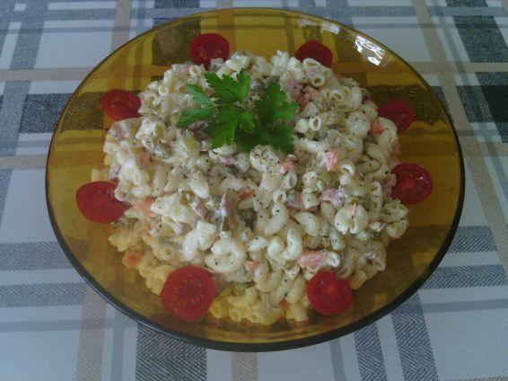 Макаронена салата