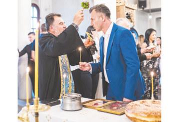 С водосвет в църквата в Старо Струмско Андон Тодоров откри кампанията си: Борим се за кметския стол, да изметем Благоевград от самозабравили се политици