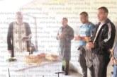 Стотици миряни, сред които и 100-г. баба Люба, хапнаха вкусен курбан край храма на село Дамяница