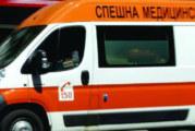 Кола излетя от пътя между Първомай и Златарево