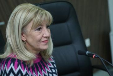 Министър Аврамова се срещна с областния управител и с кмета на Перник