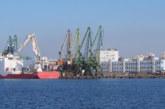 Затвориха пристанищата във Варна и Бургас заради силен вятър