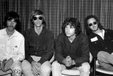 Почина басистът на легендарната група The Doors