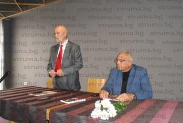 АРХИВИТЕ ГОВОРЯТ! Един от най-успешните кметове на Дупница – доц. д-р Алекси Тасев, разкри в най-новата си книга кой как е управлявал общината в периода 1944-2019 г.