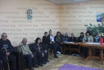 Възрастни хора от Дневния център в Долна Градешница изнесоха рецитал по стихове  на просветители