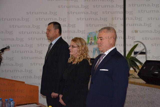 Кметът Ап. Апостолов и новоизбраните общински съветници в Симитли се заклеха