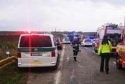 Тежка катастрофа в Словакия! 13 загинали и много ранени след сблъсък между автобус и тир