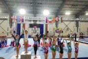 """8-годишната дъщеря на благоевградски екснационал печели медали от международния турнир """"Л. Солачки"""" с трикото на мама"""
