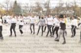 Кюстендилски ученици хвърлиха ръкавица с най-дългото хоро